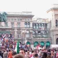 Праздник в Милане. Площадь Дуомо. :: Alexey YakovLev