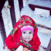 девочка в платке :: Ксения Лукина