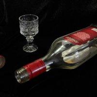 Кончается всё: праздники, вино, жизнь...Только любовь бесконечна. :: Александр Алексеев
