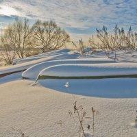 Лодочки под снегом. :: Виктор Евстратов