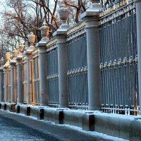 Я к розам хочу, в тот единственный сад, Где лучшая в мире стоит из оград... :: Елена Павлова (Смолова)
