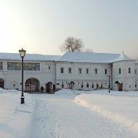 Святые ворота (XVII в., восстановлены в 1956-1961 гг.) - Музей Рублева. :: Александр Качалин