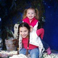 На крыше веселей с сестрой:) :: Белла Витторф