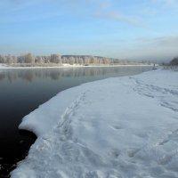 Хорошо зимой на речке рыбу половить... :: Александр Попов