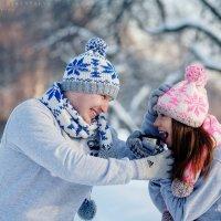 Павел и Алина-зимняя прогулка :: Ярослава Бакуняева