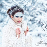 Девушка-зима :: Наталья Романова
