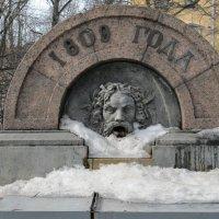 Летний питьевой фонтан :: Вера Щукина