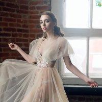 Летящее платье :: Евгения Лисина