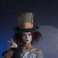 Алиса, Шляпник... Шляпник, Алиса... :: Низами Софиев