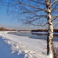 укрыты снегом берега :: Валентина. .