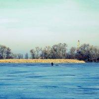Одинокий рыбак :: Алексей Климов