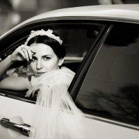 Фото невесты с машиной :: Катерина Кучер