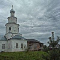 Деревенская церковь :: Сергей Котусов
