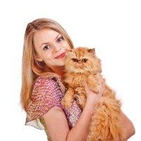 Девушка с рыжим котом :: Анатолий Тимофеев