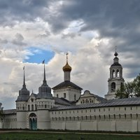 Синеет небо над монастырем :: Николай Белавин