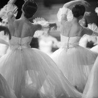Танец :: Екатерина Лыжина