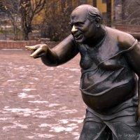 Памятник Леонову :: Дмитрий Гецеров
