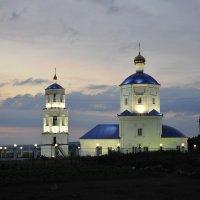 Церковь из нашего огорода виднеется :: Вера Аверьянова