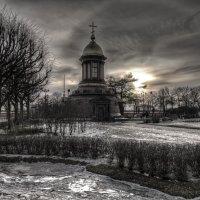 Часовня на Троицкой площади. :: Григорий Храмов