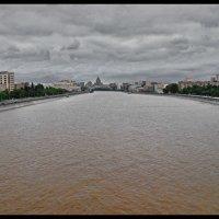 МОСКВА, ЧЕГО НАХМУРИЛАСЬ? :: Юрий Вовк