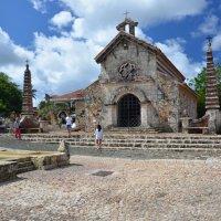 Церковь Альтос де Чавон в Доминикане :: Сергей Лошкарёв