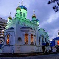 Храм в сумерках, Краснодар :: Андрей Майоров