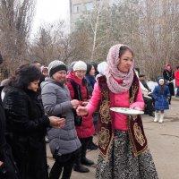 На празднике НАУРЫЗ  Казахстан серия 3\\5 :: Николай Сапегин
