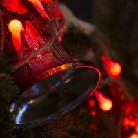 Christmas bell :: Christina Pleskach