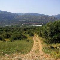 Крит. Весенние предгорья. :: Ирина Сивовол