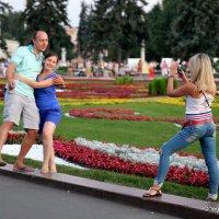 идет бычок качается или сейчас я упаду :: Олег Лукьянов