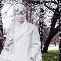 Памятник Сергею Есенину в Музеоне. :: Владимир Болдырев