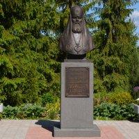 Памятник Патриарху Алексию II :: Ирина Михайловна