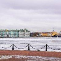 Вид на дворцовый мост. :: Виктор Орехов