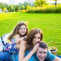 Счастливая семейка :: Максим Игнатов