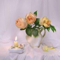 ...три воздушные, нежные розы... :: Валентина Колова