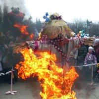 сжигание масленицы :: Леонид Натапов