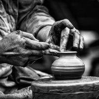 Руки гончара. :: Vladimir Kraft