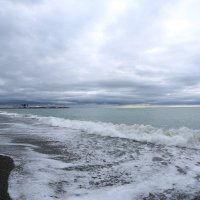 Море в пасмурным вечером :: valeriy khlopunov