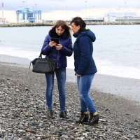 Фотографы на пляже :: valeriy khlopunov