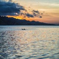 закат над островом Комодо :: Александр