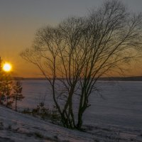 Февральский закат на Волге :: Михаил (Skipper A.M.)