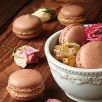 Шоколадные макаронсы с лимонным курдом :: Наталья Майорова