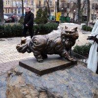 Бронзовый памятник Коту Пантелеймону в г. Киев. :: Ириша ****