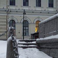 На Дворцовой набережной :: Константин Бобинский
