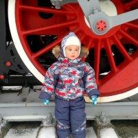 маленький человек у больших колес :: Александр Прокудин