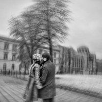 Рождение любви – как точка отсчёта. Вселенная мчится по кругу почёта. :: Ирина Данилова