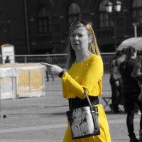 Женщина в желтом :: Фролов Владимир Александрович