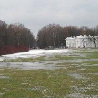 Вид на Масляный луг и Конюшенный корпус :: Маера Урусова