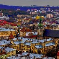 Львов - скоро весна, расцвели крыши :: Алексей Романенко