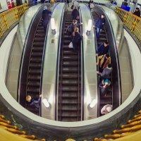 добрынинская метро :: Nurga Chynybekov